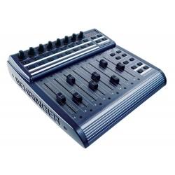 Controller audio Behringer BCF2000